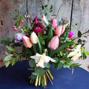 Medium Bouquet in Vase